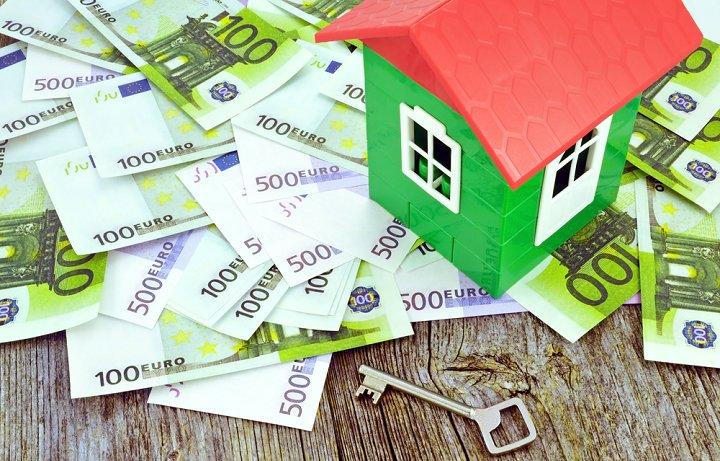Rechtsanwalt Vertragsrecht und Immobilienrecht, Versteigerung eines Hauses
