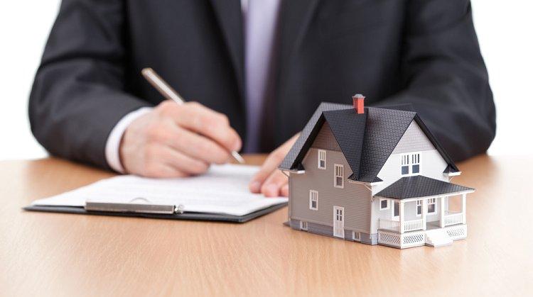Rechtsanwalt für Immobilienrecht und Vertragsrecht, Notarielle Beurkundung
